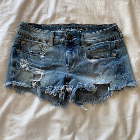 Pants - AMERICAN EAGLE DISTRESSED SHORTS